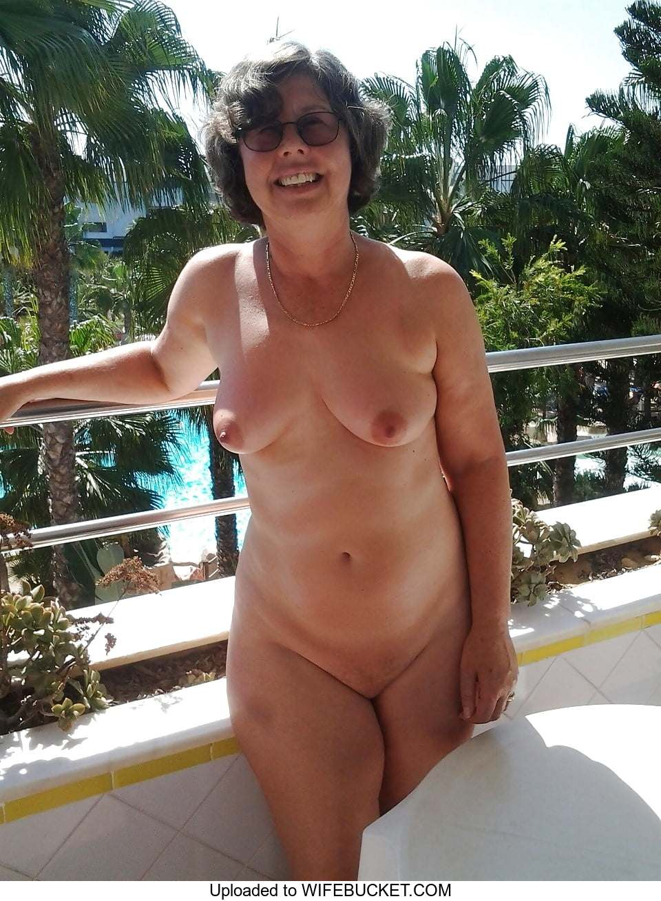 Wife exposed nude photos