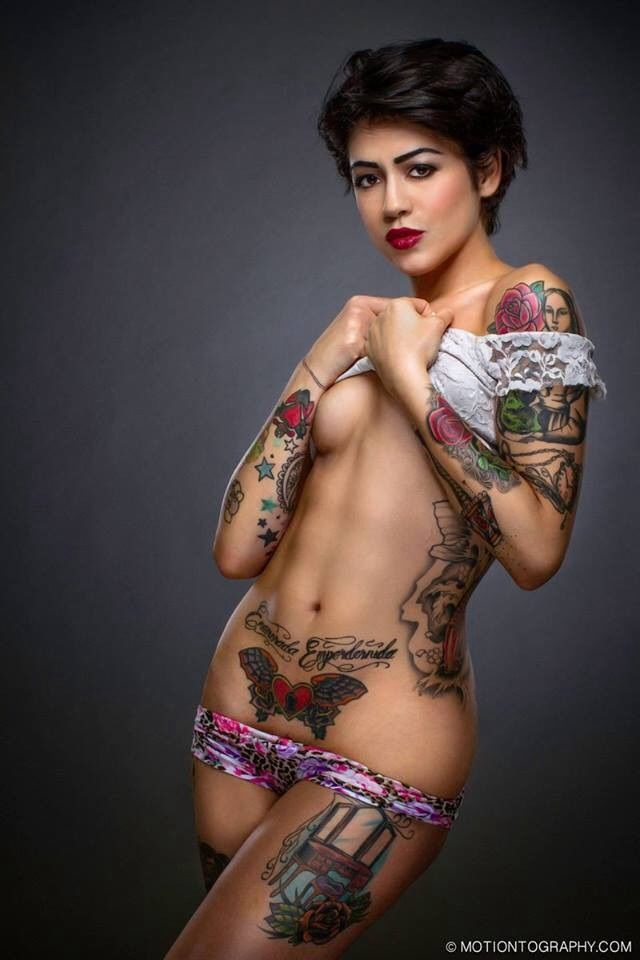 Sexy tatted babes naked